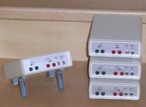Schleifen anschliessen -> Gerät einschalten -> Belegung wird mit aufleuchten und Piepsen angezeigt